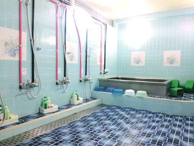 男性シャワールーム